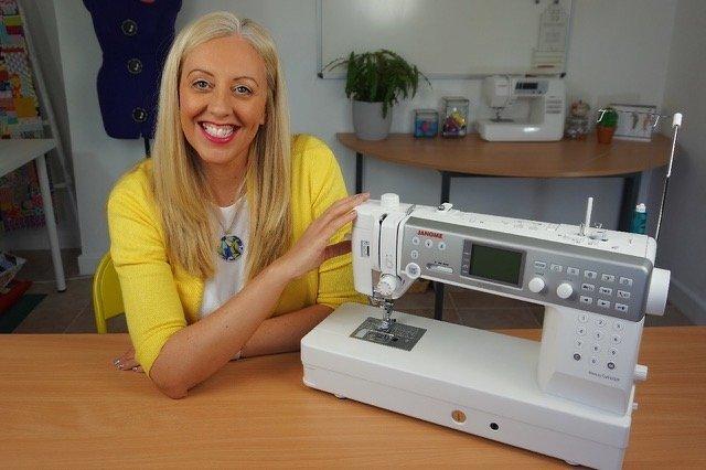 stitch sisters sewing machine 6700P