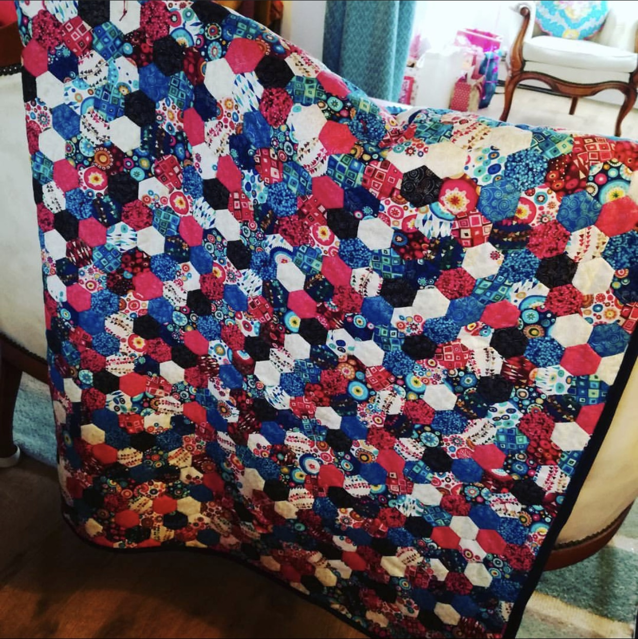 The-Stitch-Sisters-English-Paper-Piecing-Quilt