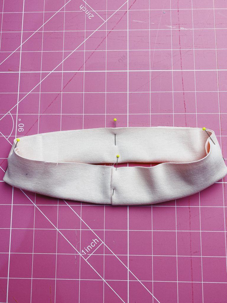 Sewing-neckbands-stitch-sisters-sweatshirt